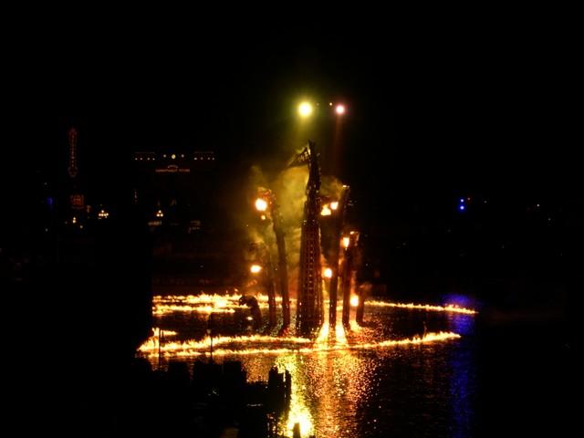 Fire Spirit of 'BraviSEAmo' show at Disney Sea (2)